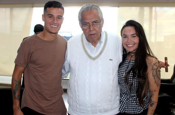 Coutinho, presidente Eurico Miranda e Ainé, sua esposa