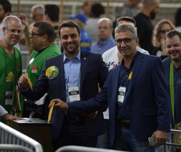 Julio Brant e sua chapa trabalham para tentar definir nome de novo executivo do futebol