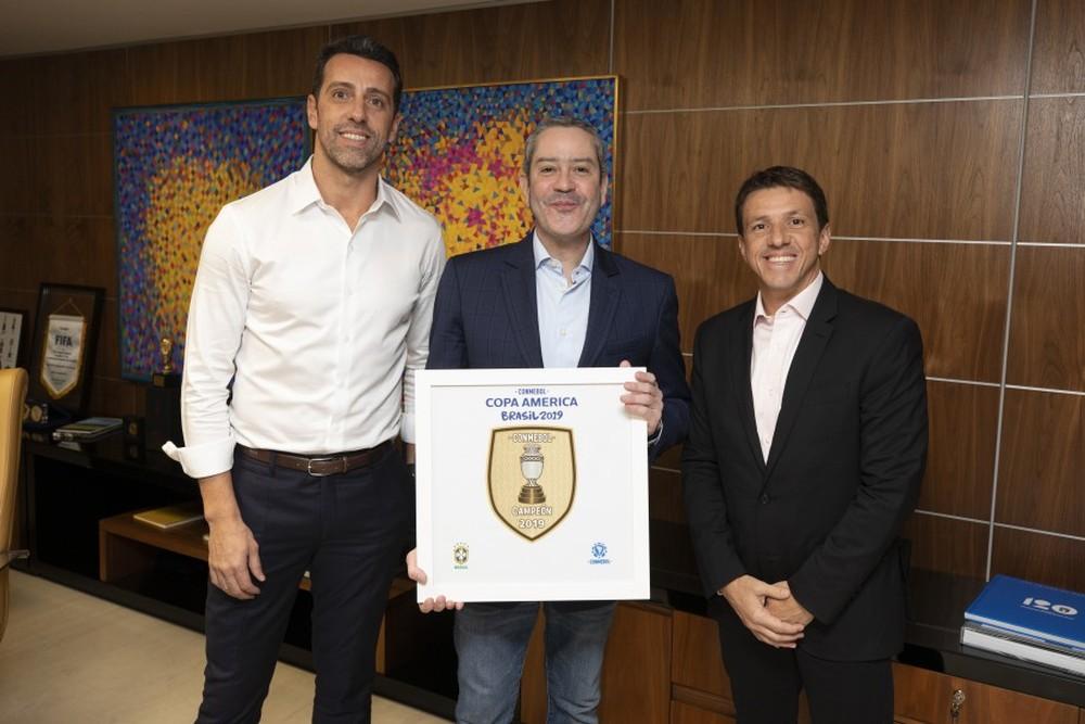 Edu, Rogério Caboclo e Juninho Paulista, em anúncio oficial da mudança no cargo