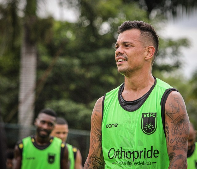 Bernardo, ex-Vasco, no Voltaço