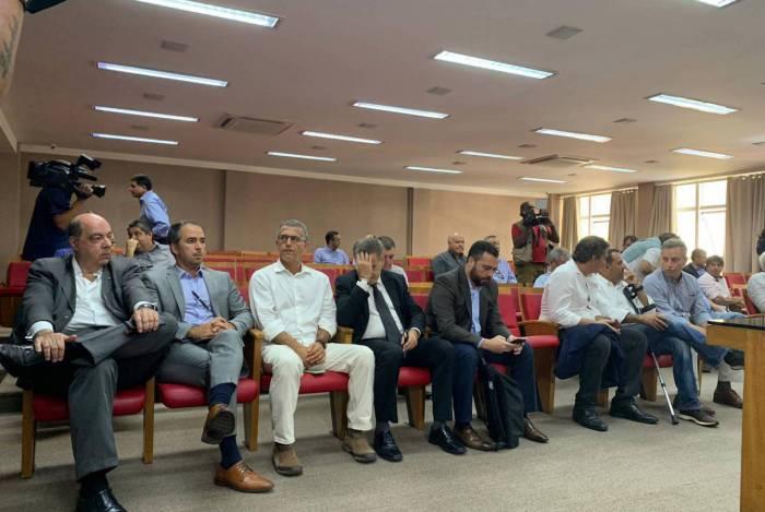 Representantes dos clubes durante reunião na sede da Ferj na segunda-feira