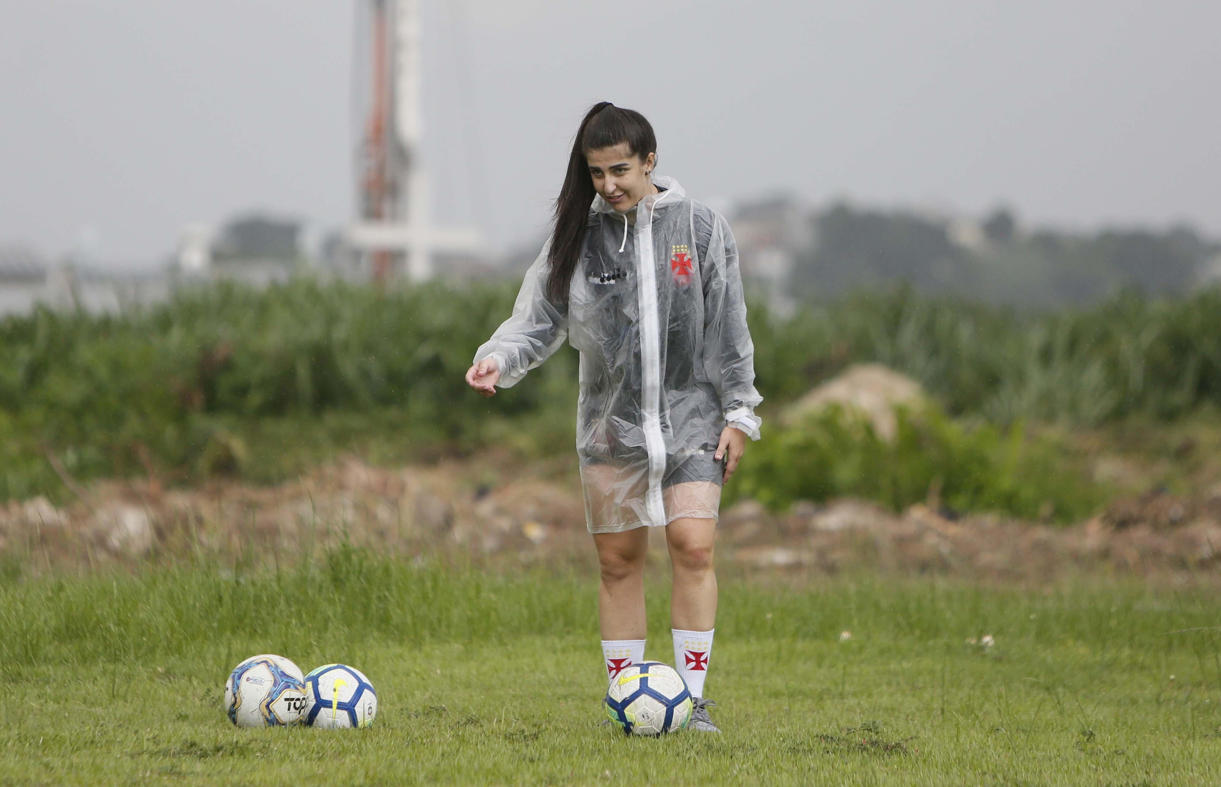 Jaqueane durante um dos treinamentos das Meninas da Colina antes da pandemia
