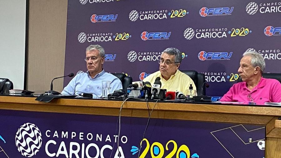 Rubens Lopes (centro), presidente da Ferj, em entrevista após reunião com os clubes por conta do coronavírus