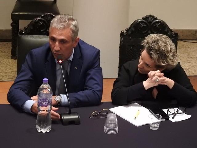Alexandre Campello e segunda vice-presidente geral do Vasco, Sonia Maria Andrade dos Santos, durante a reunião em São Januário