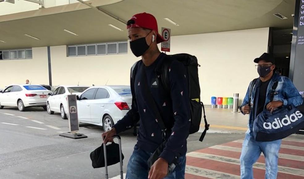 Reforço do Atlético-MG, Marrony desembarca em BH