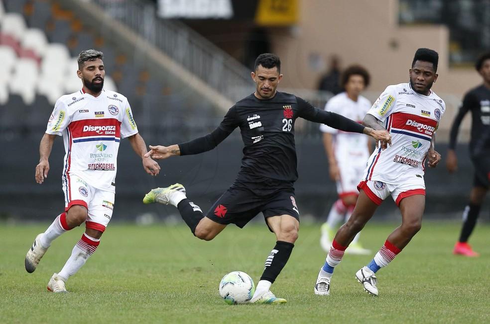Raul em ação durante jogo-treino do Vasco contra o Porto Velho