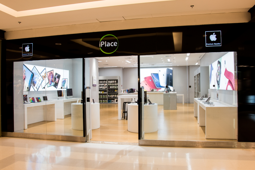 Fachada da loja iPlace no Shopping Nova América, na Zona Norte do Rio