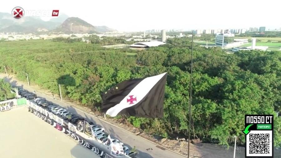 Bandeira do Vasco foi hasteada no novo CT no último dia 8