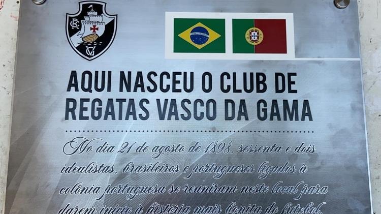 Placa indica casa no Centro do Rio de Janeiro onde nasceu o Vasco