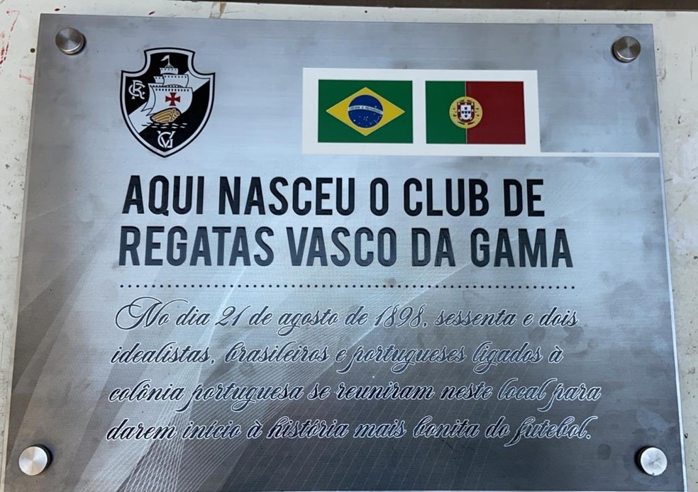 Placa na primeira sede do Vasco da Gama