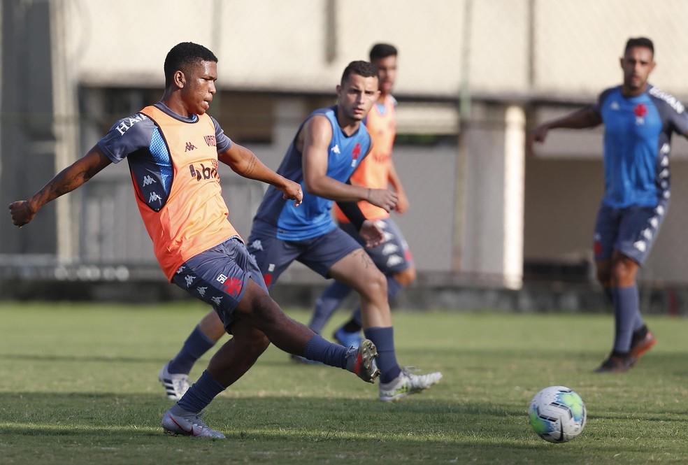 Juninho em treino do Vasco