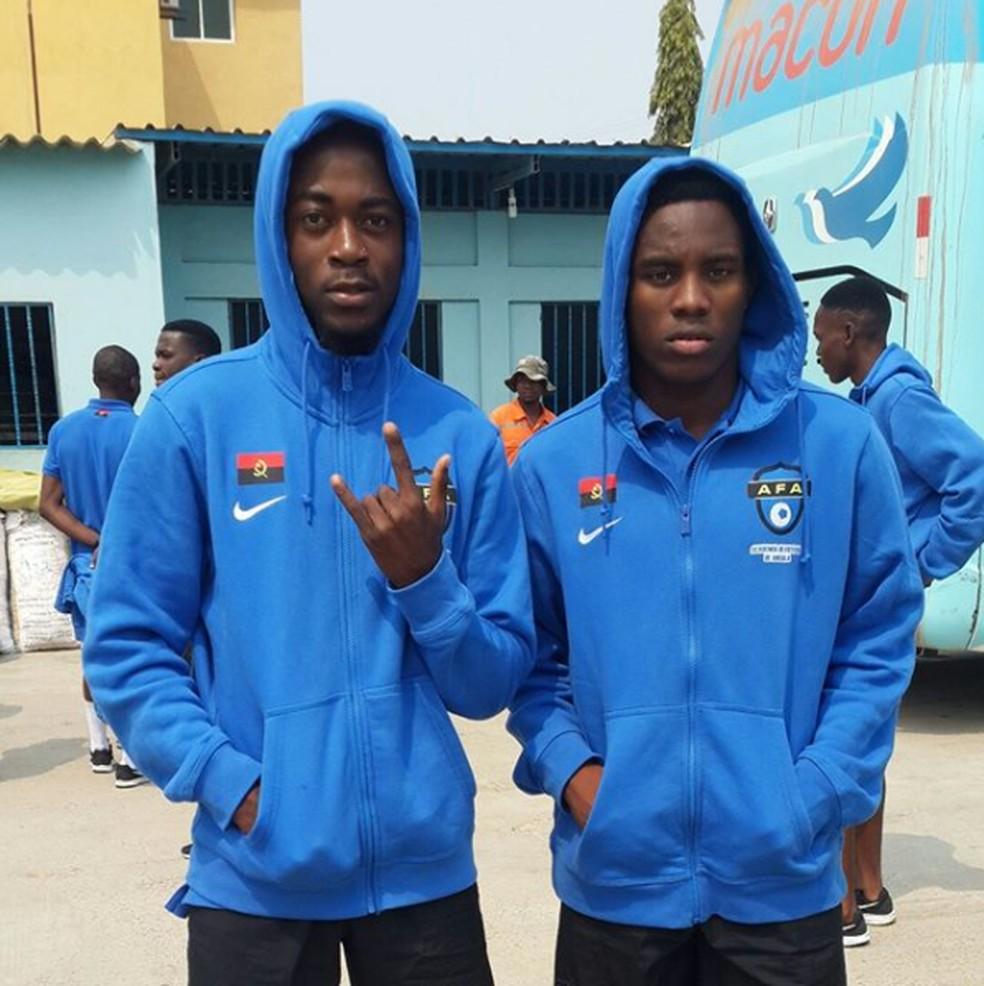 Aposta do Vasco, Toko Fillipe é o atleta da direita em foto com colega da AFA