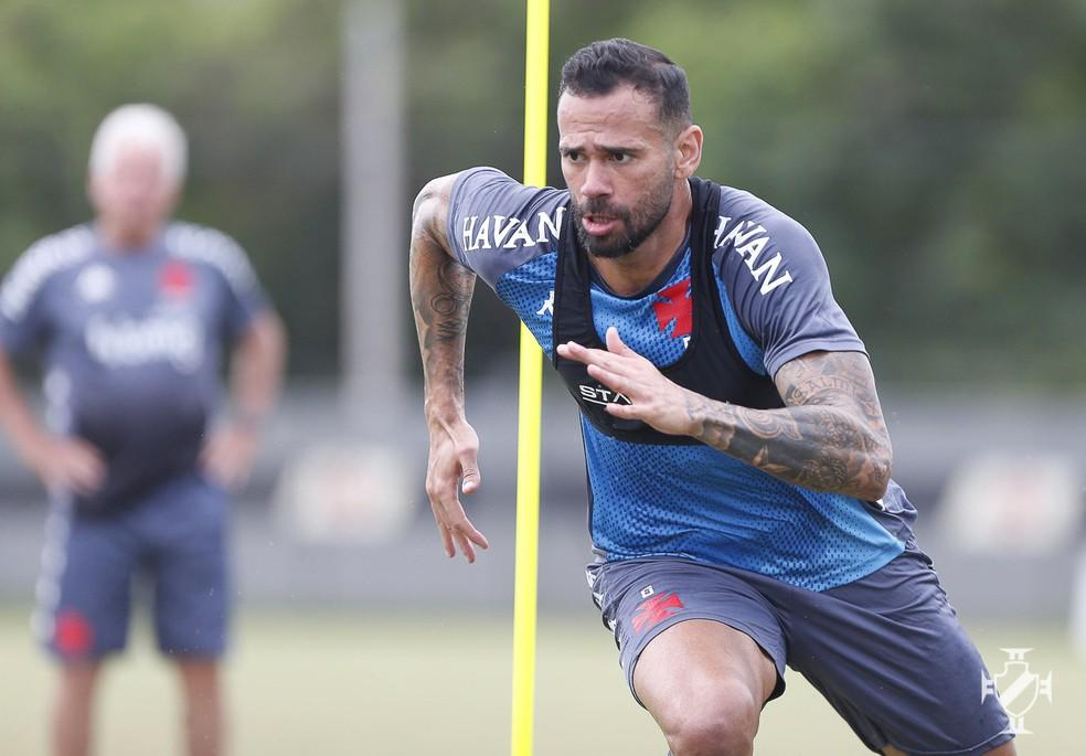 Recuperado de lesão na coxa, Castan está à disposição do técnico Marcelo Cabo