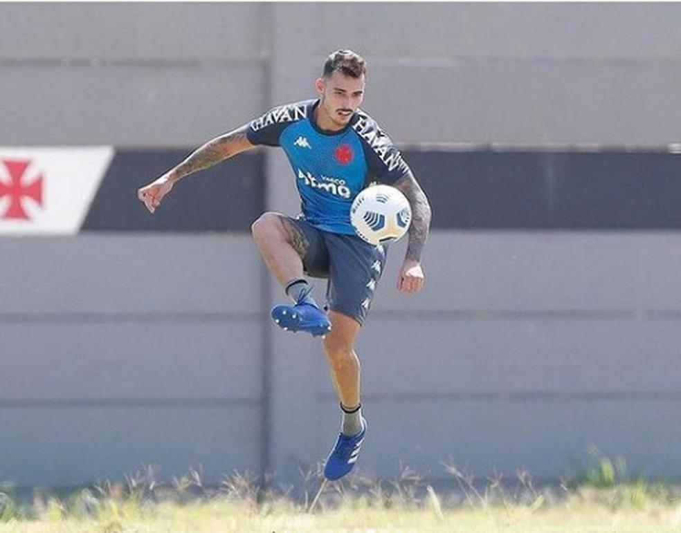 Zeca tem chance de estrear pelo Vasco na quinta