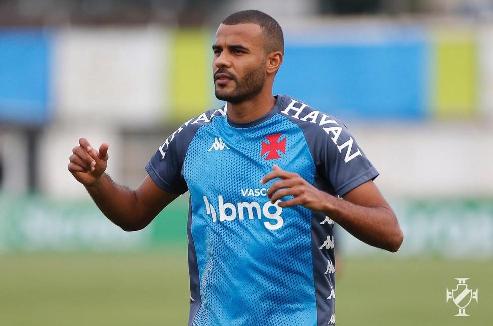 Ernando em treino no Estádio Ronaldão, onde o Vasco enfrentará a Caldense